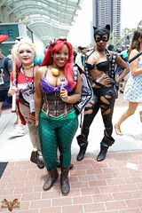 San Diego Comic Con SDCC 2016 Cosplay (V Threepio) Tags: cosplay costume sdcc sdcc2016 comiccon comiccon2016 sandiego dressup outfit posing modeling photoshoot geekculture cosplayer harleyquinn catwoman ariel