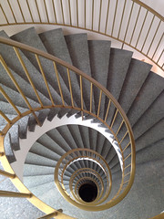 7 eme tage (Iris_14) Tags: escalier stairs spiral spirale staircase