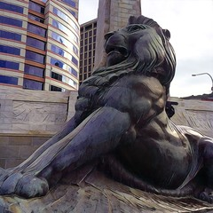 Stretch those muscles (feefoxfotos) Tags: lion filter cenotaph wellington