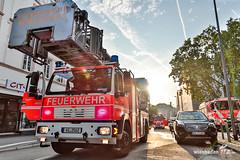 Streifenwagen-Brand in Tiefgarage 1. Polizeirevier 14.08.15 (Wiesbaden112.de) Tags: 1polizeirevier bleichstr brand fahrzeugbrand feuer feuerlscher feuerwehr fustw innenstadt lschen lschversuche pkwbrand platzderdeutscheneinheit polizei polizeirevier rettungsdienst stadtmitte streifenwagen tiefgarage wiesbaden wiesbaden112 deutschland deu