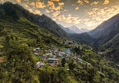 The gorgeous village of Tosh || Himachal Pradesh (The Canon Fanboy) Tags: landscape photoraphy india asia himalayas himachalpradesh greenery naturelovers natural djiphantom dji drone quadcopter sunrise dawn