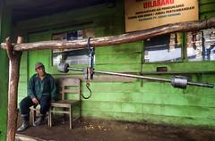 java - ijen (peo pea) Tags: indonesia java giava pesa ijen cratere crater volcano vulcano hard work miners mine sulfur zolfo green yellow reportage