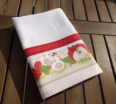 Pano de prato com barrado de tecido com estampa de galinhas (Ateliê da Russa) Tags: galinha vermelho panodeprato panodecopa