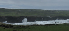 les falaises de Doolin  Moher (doubichlou) Tags: ocean ireland sea mer nature beautiful grass de landscapes europe clare north doolin wave eire cliffs des coastline vague moher nord comte herbe irlande falaises atlantique europeen littoral embruns