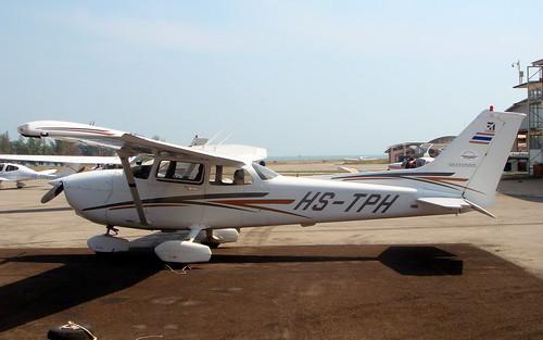 Cessna 172R HS-TPH-02 Hua Hin 14Jan10