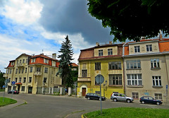 Residential houses in Hradany area of Prague, Czech Republic. June 10, 2016 (Vadiroma) Tags: prague praha czech esko 2016 summer city capital hradany houses