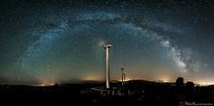 La puerta del viento (Pablo Mauriz Photography) Tags: aspontes espaa estrellas galicia lacorua largaexposicion noche nocturna ocaxado valctea stars eolic eolicos long exposure night nightscape