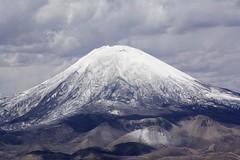 Volcn Parinacota_2963 (Torsten Klein) Tags: chile volcano atacama arica vulkan volcn parinacota putre parquenacionallauca atacamadesert volcnparinacota regindearicayparinacota