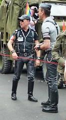 bootsservice 16 480966 (bootsservice) Tags: paris gay pride marche des fierts bottes cuir boots leather motards motos motorcyclists motorbiker caoutchouc rubber uniforme uniform orlando