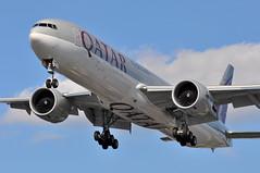 QR0001 DOH-LHR (A380spotter) Tags: approach landing arrival finals shortfinals threshold belly boeing 777 300er a7bah qatar القطرية qatarairways qtr qr qr0001 dohlhr runway27r 27r london heathrow egll lhr