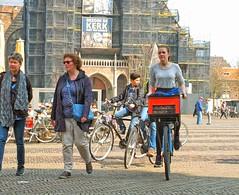 bakfiets (Gerard Stolk (vers l'Allemagne)) Tags: delft markt rokjesdag opzoeknaarrokjesdag
