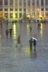 Il pleut dans mon coeur...                                              (1) (Kasur) Tags: pluie bruxelles personnes ville