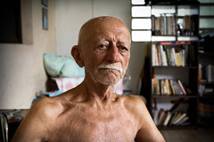 Arnoldo (Joe Snchez) Tags: canon 60d 1855mm ef picture oldman grandpa age 87