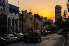 Atardecer asunceno (oteiza86) Tags: sun asuncion sunshine city street