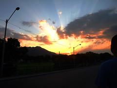 DSCF7560 (raissacrisss) Tags: raiodesol sol entardecer anoitecer realengo rj brasil brazil viagem viagens natureza nature