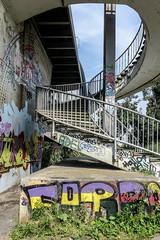 Wendeltreppe (zur Atobahnbrcke) (JohannFFM) Tags: aufgang wendeltreppe autobahn