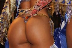 Quem no gosta que vire logo purpurina - Rio 2016 Olympics - RIO DE JANEIRO - BRASIL - RIO2016 - BRAZIL #CLAUDIOperambulando - ELEIO REI RAINHA DO CARNAVAL RIO DE JANEIRO - ELEIO REI RAINHA DO CARNAVAL #COPABACANA (  Claudio Lara ) Tags: ass butt culo bunda biquini bikini legs sex sexy womam copabacana clccam clcriio claudiolara carnivalbyclaudio clcrio claudiol clcbr claudiorio claudiobatman