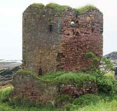 Seafield Castle (2 of 2) (arjayempee) Tags: castle scotland fife kirkcaldy moultrie towerhouse kinghorn fifecoastalpath moutray seafieldcastle av6a123233stitch multrare multray mowtray johnmelvilleofraith ladyanneerskine