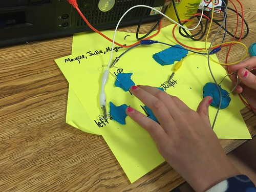 Makey Makey in STEM Class by Wesley Fryer, on Flickr
