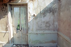 . (steven_rolf) Tags: france beaune canoneos500n