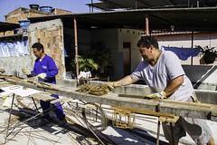 (REDES DA MAR) Tags: brasil complexodefavelas elisngelaleite favela mar ong obra parqueunio redesdamar riodejaneiro casadasmulheres homem trabalho