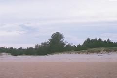 F1010030_lr (chi.ilpleut) Tags: film analog island analogue  expiredfilm kodakfilm     kinmentaiwan kinmen oceanpeopleisland