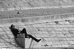 Lyon - Quais du  Rhne - Repos (chanutdominique) Tags: quaidurhne lyon rhnealpes rhonealpes 69 france rhne city europe urban bw blackandwhite nb blackwhite blackwhitephotos black monochrome noiretblanc street streetphotography scenederue scenesderue photoderue photosderue rue