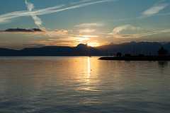Sunrise (schatanay) Tags: hautesavoie france paysage evian contrejour lman lac canon eos350d ef2470mmf28liiusm rhonealpes vianlesbains auvergnerhnealpes fr