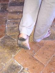 (danragh) Tags: barefoot dirtyfeet piediscalzi