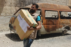 Ramadhan supplies being delivered in Ghouta, Syria (Ummah Welfare Trust) Tags: syria food ramadan ramadhan islam muslims   poverty aid children war refugee displaced hunger humanitarian humanitarianism