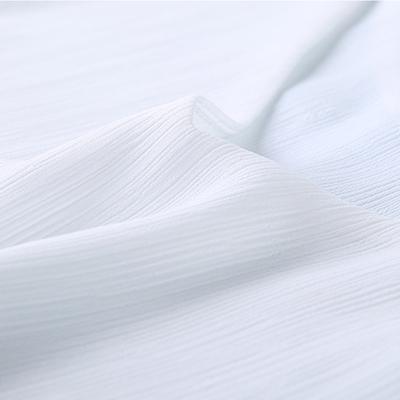 Doppelschicht - chiffon Shirt ärmellos v-Ausschnitt locker Werften im Sommer mit Weste am Ende des wilden schwarzen Mädchen
