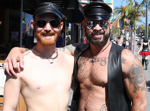 HOT LEATHER MEN at the LEATHER WALK 2016 ! ( safe photo )