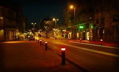 Puerta del Sol · Vigo (Ignorant Walking) Tags: galicia nocturna vigo puertadelsol largaexposicion sireno sereo portadosol largeexposure