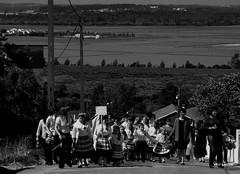 Festa do 1º de Maio 2009, em Verride. (verridário) Tags: bw white black monochrome branco blackwhite sony negro preto desfile crianças bianco 2009 bianconero maio rancho 1º mondego folclore jovens baixomondego verride