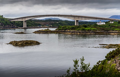 UK - Scotland - Isle of Skye - Kyleakin - Skye Bridge (Marcial Bernabeu) Tags: marcial bernabeu bernabu uk united kingdom unitedkingdom greatbritain scotland reino unido reinounido granbretaa escocia skye isle isla isleofskye isladeskye bridge puente skyebridge