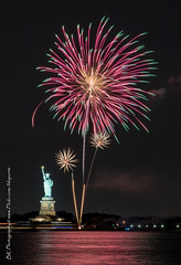 Statue Of Liberty Fireworks July 16 2016-11 (bkrieger02) Tags: nyc newyorkcity longexposure nightphotography brooklyn canon fireworks hudsonriver statueofliberty pyro redhook libertyisland pyrotechnics libertyharbor canonusa 7dmkii louisvalentinopier