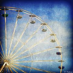 La roue tourne (Isabelle Photographies) Tags: vacances grande t mange vue attraction distraction panoramique roue hauteur