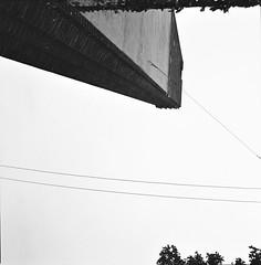 a testa in gi (Luca Scarpa) Tags: milano architettura architecture building film bn bw blackandwhite biancoenero