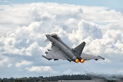 Typical British Weather | Royal Air Force BAe FGR4 Typhoon ZK356 (Patcard) Tags: zk356 fgr4 typhoon royalairforce ef2000 raf aircraft military farnborough 2016 fia16 fia2016 united kingdom bs117 423 weapon aviation dynamic stormy rain wet heat haze departure demo multirole paveway meteor clouds weather demonstration