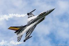 Belgain F-16 pulling a high G turn (DrAnthony88) Tags: belgianaircomponent belgianairforce lockheedmartinf16fightingfalcon modernmilitary nikkor200400f4gvrii nikond810 raffairford aircraft vapour