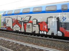 minimal again (en-ri) Tags: yoga pevs crew tartaruga turtle rosso nero grigio train torino graffiti writing bianco gdmk