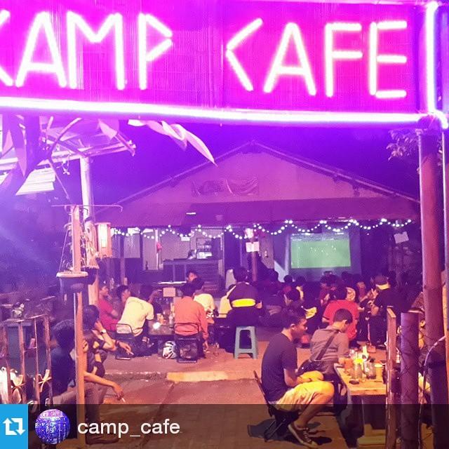 Lokasi Nobar: #Regram @camp_cafe ・・・ Serunya NOBAR PSG vs BARCELONA di camps cafe #nobar #ligachampion #live #cafe #camps #puspem #tangerang #CTRNOBAR #culestangerangraya