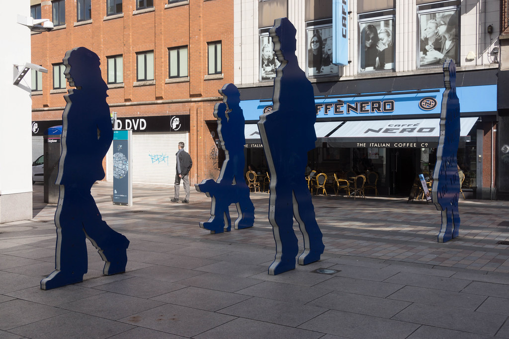 BLUE PEOPLE ON THEIR WAY TO THE VICTORIA SQUARE SHOPPING CENTRE REF-104825