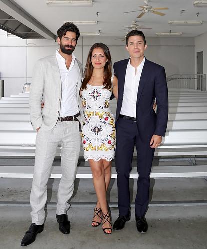 "Álex González, Hiba Abouk y Rubén Cortada en ""Univisión"""