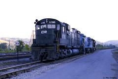 CR 6785 Hornell (callduckfarm) Tags: cr conrail alco kodacolor100 hornellny fallenflag c636 alcolocomotive alcoc636 southerntierline penncentralheritage westernnewyorkrailroads earlyconrail newyorkssoutherntier conrail6785 3builderlashup cr6785