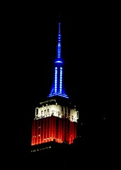 IMG_5393 (danimaniacs) Tags: blue red newyork building architecture empirestate