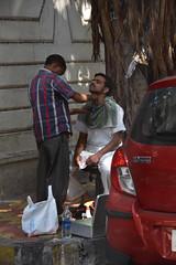sidewalk shave (Rick Elkins Trip Photos) Tags: mumbai maharashtra india man men sidewalk shave