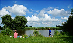 Landscape and Leisure (Hindrik S) Tags: landscape leisure heiteln frysln friesland dokkumeree boy dad father heit vader papa soan zoon son jongen people social green shore oever wal water wetter vakantie faknske fiskje vissen fish fischen nederland nederln nederlandvandaag sonyphotographing sony sonyalpha tamron tamronaf16300mmf3563dillvcpzdmacrob016 tamron16300 16300 a57 57 slta57