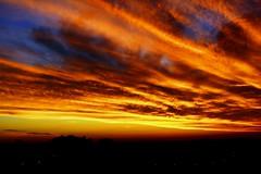 Entardecer dourado (marcusviniciusdelimaoliveira) Tags: entardecer pordosol sunset hesperus nuvens nuvensdouradas luz sombra tarde fimdetarde