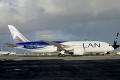 CC-BBE_NZAA_0050 (ZK-NGJ) Tags: lanairlines ccbbe boeing787838473 28april2015auckland